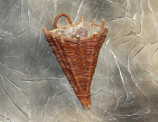Kwietnik z wikliny