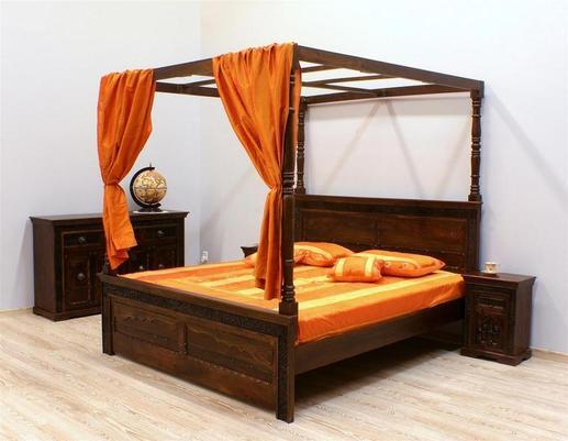 Łóżko kolonialne indyjskie z baldachimem