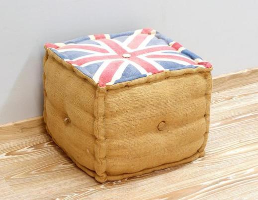 Pufa z flagą brytyjską wykonana w Indiach