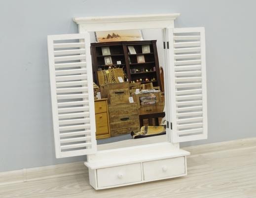 Lustro z okiennicami, półką i 2 szufladkami