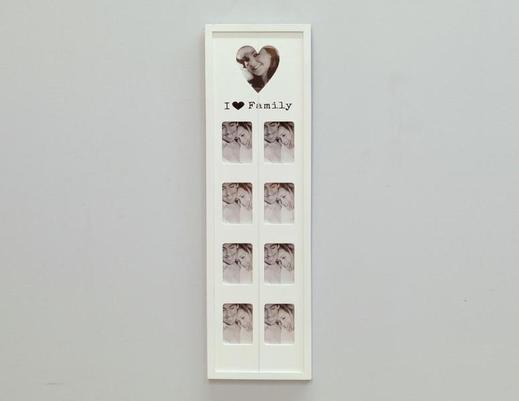 Biała ramka rodzinna na zdjęcia