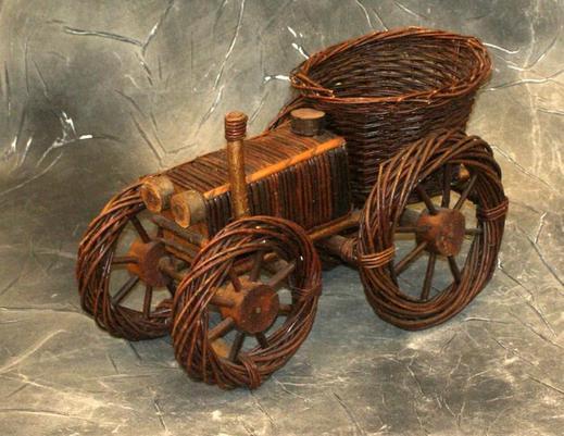 Kwietnik wiklinowy traktor