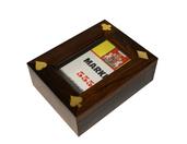 Drewniane pudełko indyjskie z talią kart